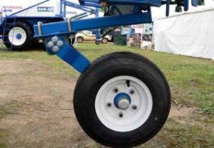 Suspension de roue pour un pulvérisateur utilisant un DR 50